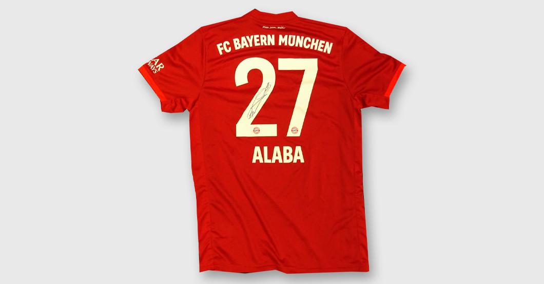 Fc Bayern Star David Alaba Stiftet Sein Trikot Mit Autogramm
