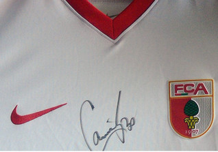 Augsburg Jersey signed
