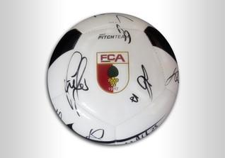 Ball des FC Augsburg