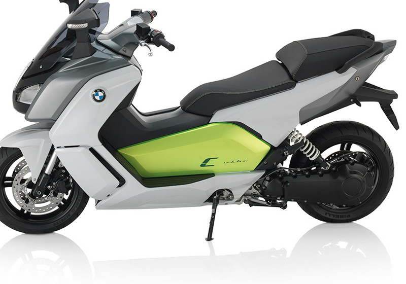 perfekt f r die stadt der elektro scooter c evolution von bmw. Black Bedroom Furniture Sets. Home Design Ideas