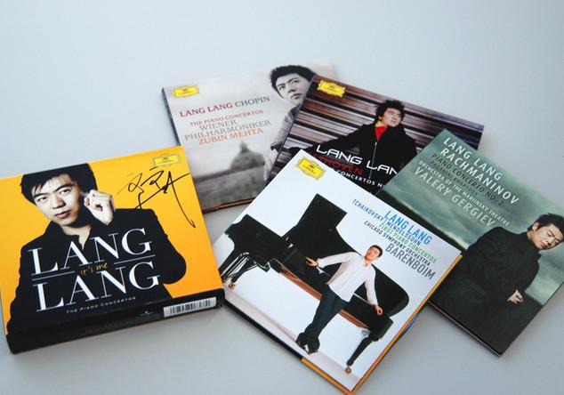 Signierte CD-Box von Lang Lang