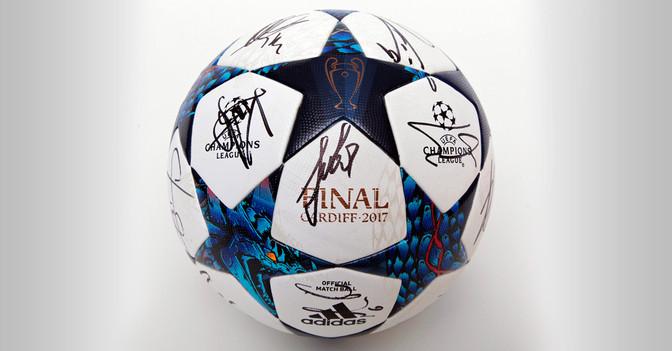 CL Finalball signiert