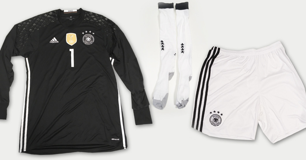 DFB Outfit Manuel Neuer