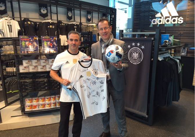 DFB-Trikot + Ball