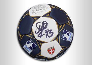 DKB Handball signiert