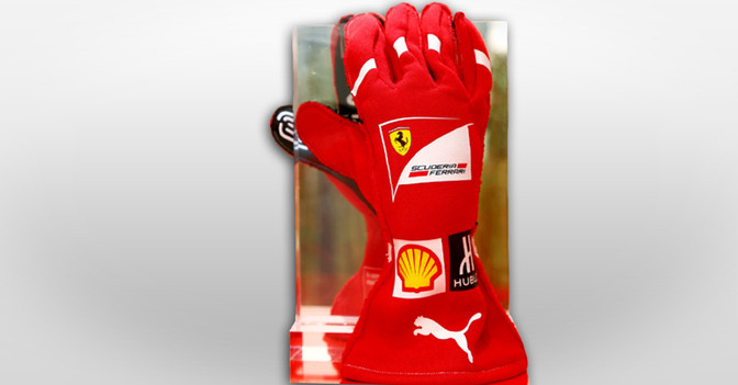 Ferrari Handschuhe Vettel