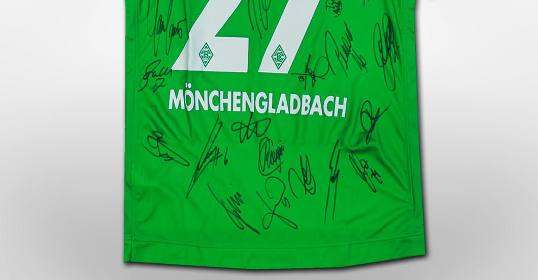 Gladbach-Trikot signiert