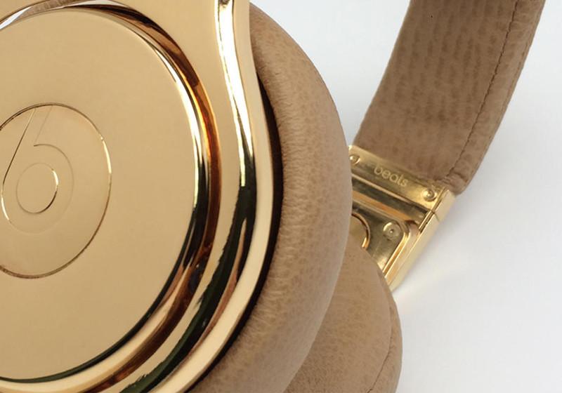 Gold-Kopfhörer Löw