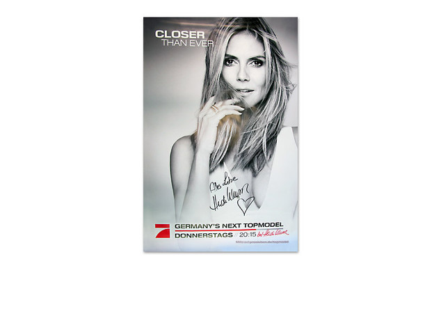 "City-Light-Plakat von ""GNTM – by Heidi Klum"""