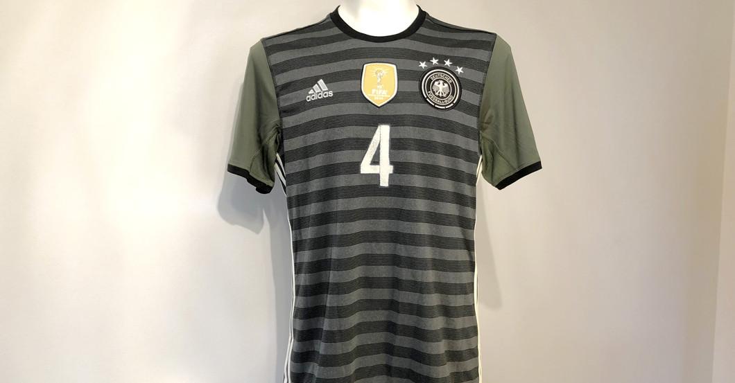 Höwedes DFB Trikot 2016