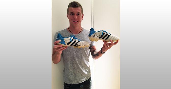Kroos Trikot und Schuhe