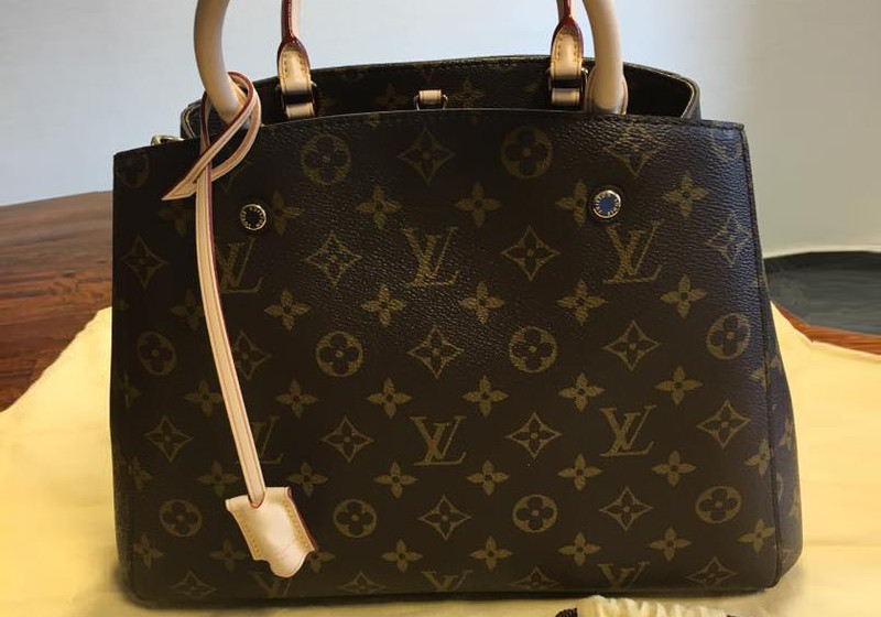 besonderes accessoire original louis vuitton handtasche. Black Bedroom Furniture Sets. Home Design Ideas