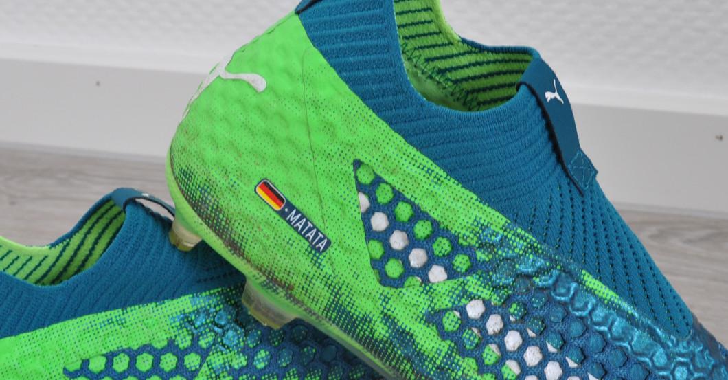 Marco Reus stiftet seine getragenen & signierten Schuhe