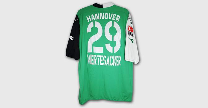 Mertesacker H96 Trikot