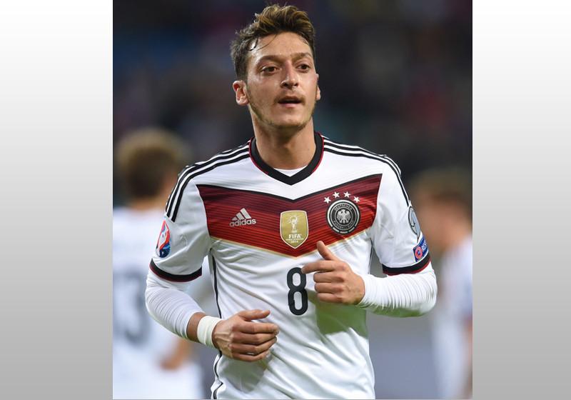Mesut Özil treffen