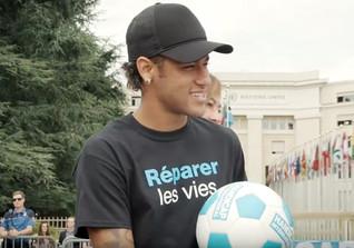 Neymar Ball signiert