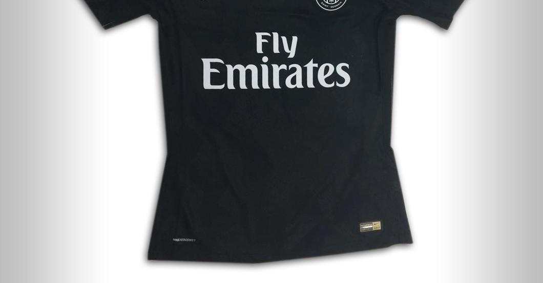 new concept 897eb 6466e PSG Captain Thiago Silva donates signed Player Jersey