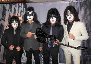 Signierte Kiss Gitarre