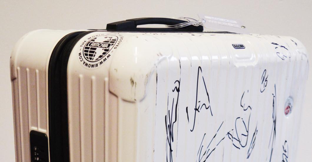 Signierter Koffer Spinner