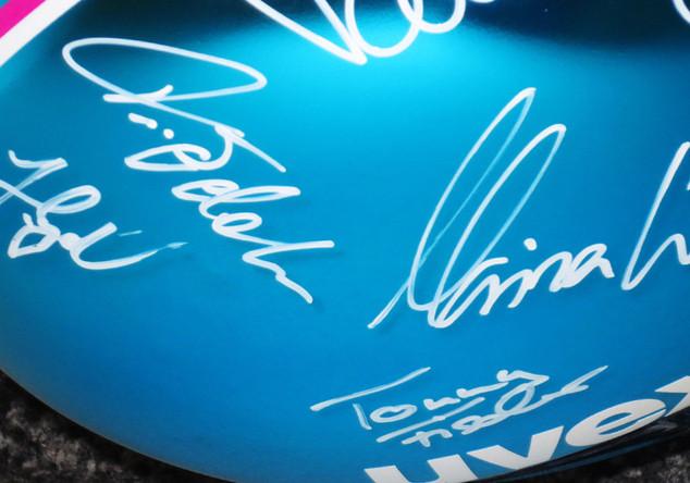 Signierter uvex-Helm