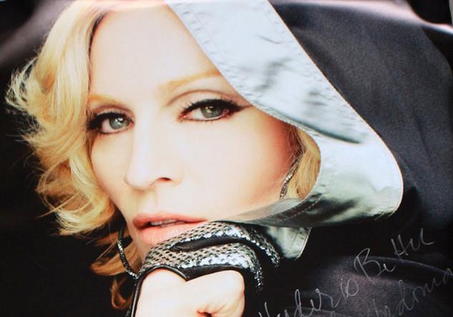 Signiertes Plakat Madonna