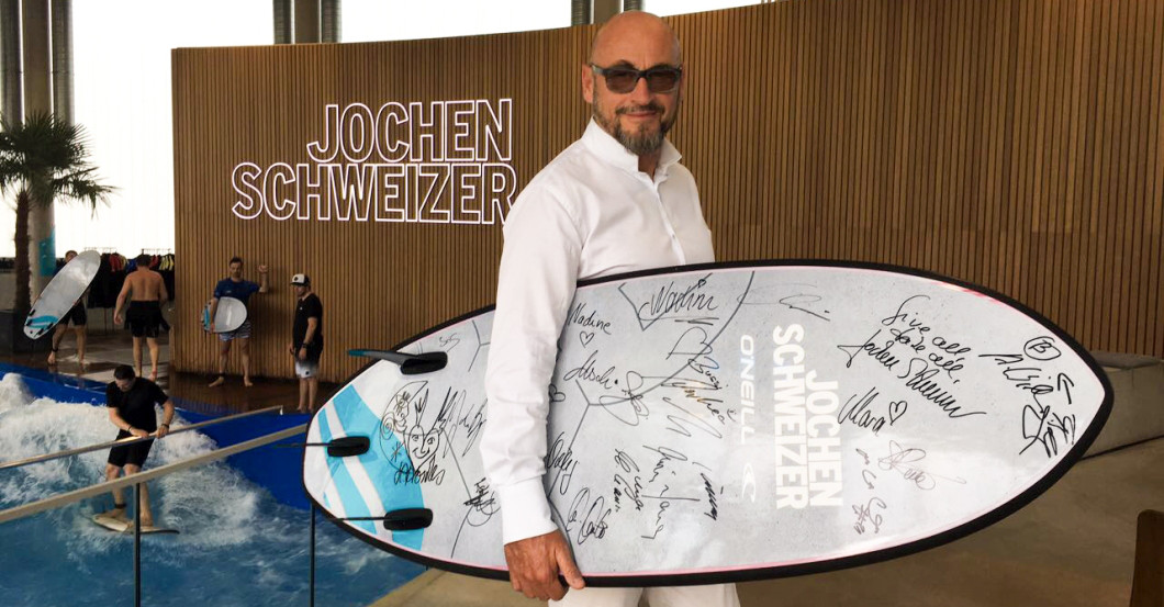 Signiertes Surfbrett