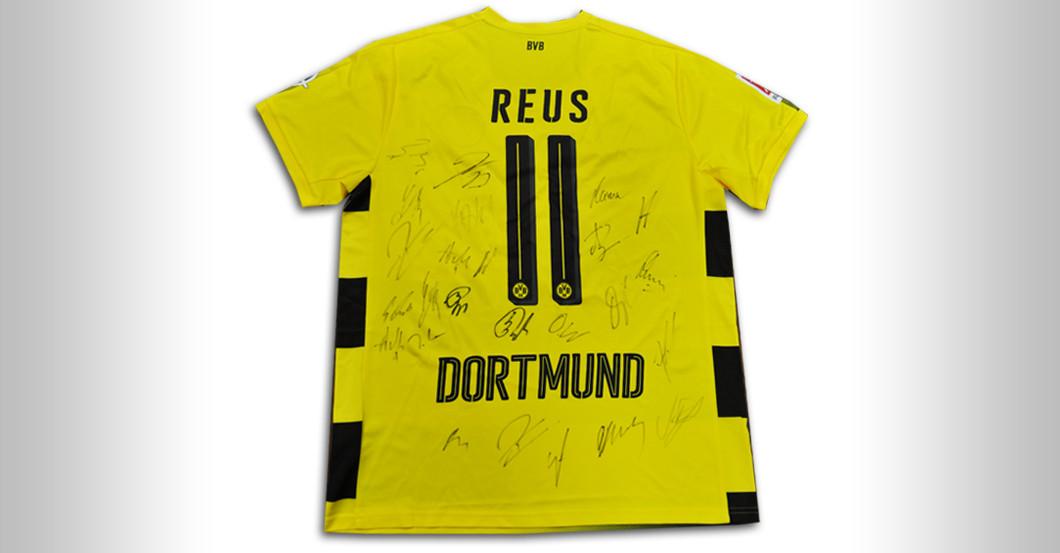 separation shoes c16c8 5f1a3 Mit Reus-Flock: Teamsigniertes Trikot von Borussia Dortmund
