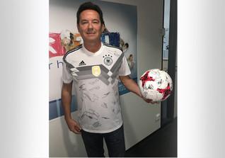 Trikot und Ball DFB