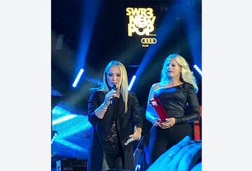 Anastacia und Barbara Schöneberger beim New Pop Festival