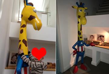 Kais Sohn mit seiner Giraffe Tim(o) Win