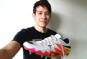 Schuhe von Neymar gehen nach Thailand