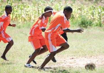 Kinderschutz durch Sport in Tansania