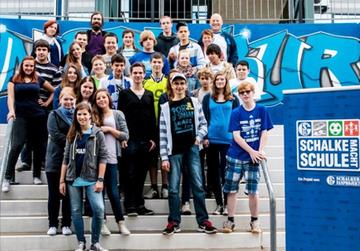 Schalke hilft! Direkte Hilfe für Menschen aus Gelsenkirchen und dem Ruhrgebiet