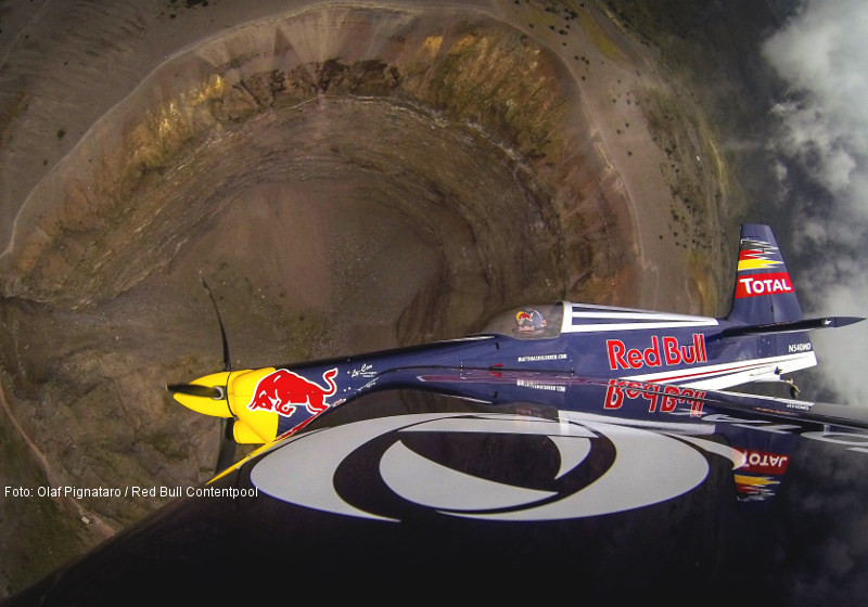 red bull air race piloten