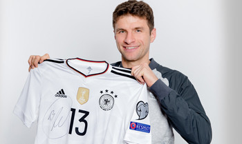 Thomas Müller versteigert gleich mehrere Raritäten