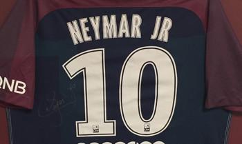 Neymar, Reus, Ronaldo & Co. versteigern Persönliches zu Weihnachten