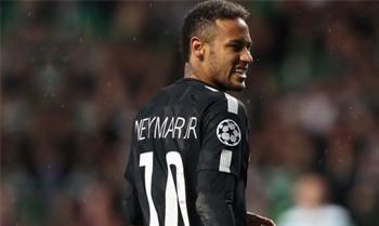 Neymar versteigert sein persönliches Spielertrikot