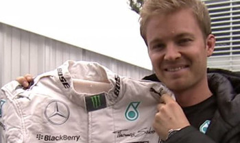 Nico Rosberg spendet Rennanzug und Handschuhe zur Weltmeisterschaft