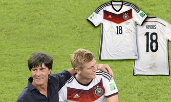 Toni Kroos und sein WM-Trikot