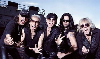 Die Scorpions versteigern ihre Gitarre