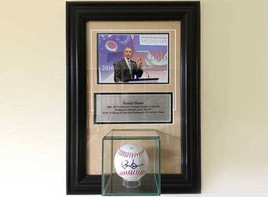 Obamas signierter Baseball