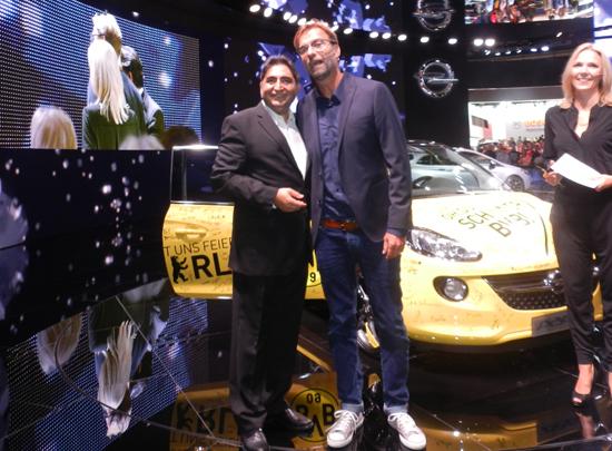 Jürgen-Klopp-bei-der-Opel-Übergabe