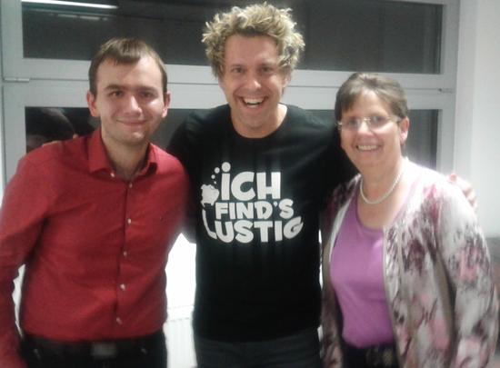 Patrick und seine Mutter mit Sascha Grammel