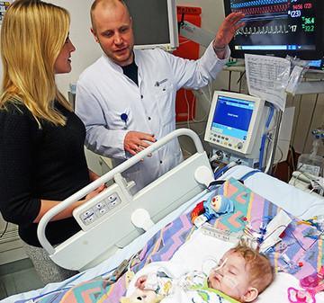 Wissenschaftler suchen nach einer Lösung für herzkranke Kinder