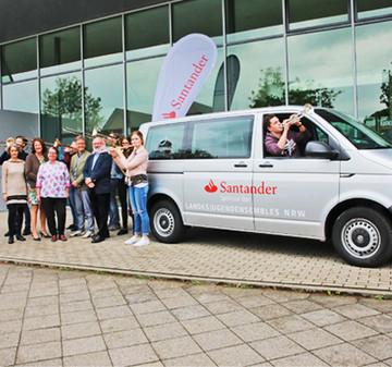 Dank Vettel: Neuer Bus für Landesjugendmusikensembles NRW