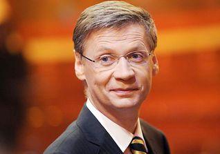 """Günther Jauch, deutscher Moderator, Journalist und Produzent, moderiert u.a. die RTL-Sendung """"Wer wird Millionär"""""""