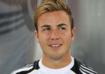 Mario Götze ist ein deutscher Fußballspieler. Der Mittelfeldspieler steht beim FC Bayern München unter vertrag. Außerdem ist Mario Götze seit 2010 für die Deutsche Fußballnationalmannschaft aktiv.