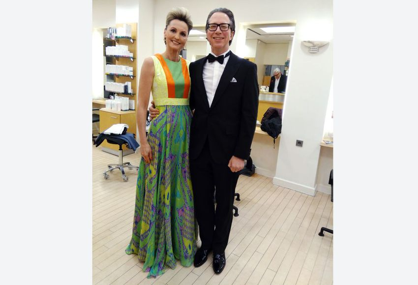 Auktionsgewinnerin Stefanie im Marcel Ostertag-Kleid