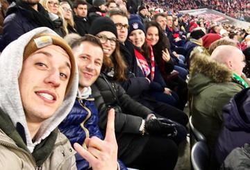Die sechs Freunde beim Match Bayern vs. Werder