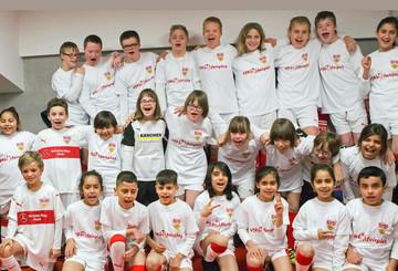 Über 7.000 Euro für die Kinderhilfsprojekte von VfBfairplay